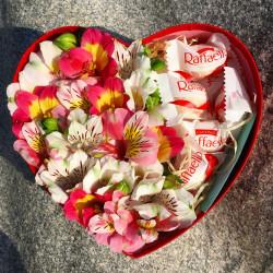 """Цветы в коробке """"Raffaello"""""""
